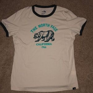 XL slim fit north face tee- never worn